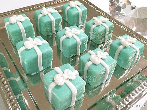Tiffany Box Petit Fours  f6238a235